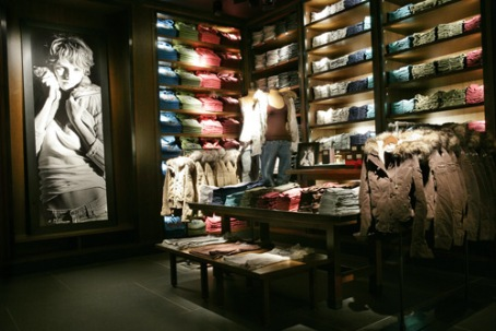 a&F-store-fifth-ave-717098